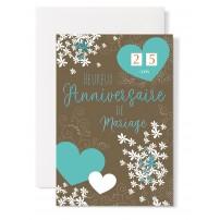 Carte double Anniversaire de Mariage : Coeurs et fleurs sur fond brun