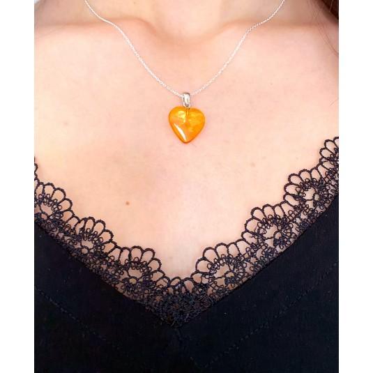 Pendentif cœur ambre jaune avec collier argent 925