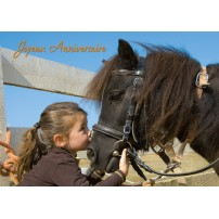 CARTE FLASH : Fillette embrassant un poney(JA)