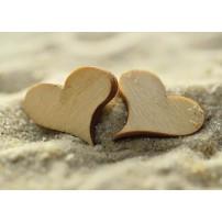 MINI CARTE FA : Coeurs en bois dans le sable