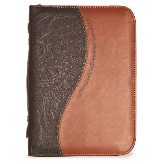 Housse Bible cuir 2 tons marrons, Jer. 33 v 3, 17, 8x25, 4x5 cm