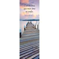 Signet Ponton en bois sur un lac au coucher du soleil