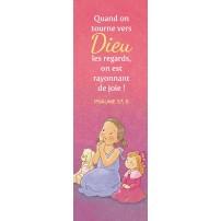 Signet Dessin d'une petitte fille priant avec ses jouets