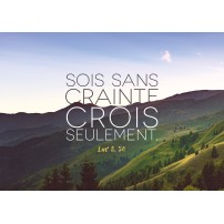 Carte Avec Verset Paysage de montagne et ciel bleu