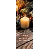 SIGNET : Bougie sur une table avec décorations de Noël
